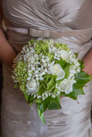 Bouquet with roses and bouvardia