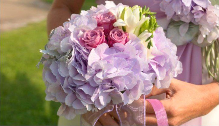 Bouquet of hydrangeas and roses made ​​by Giuseppina Comoli
