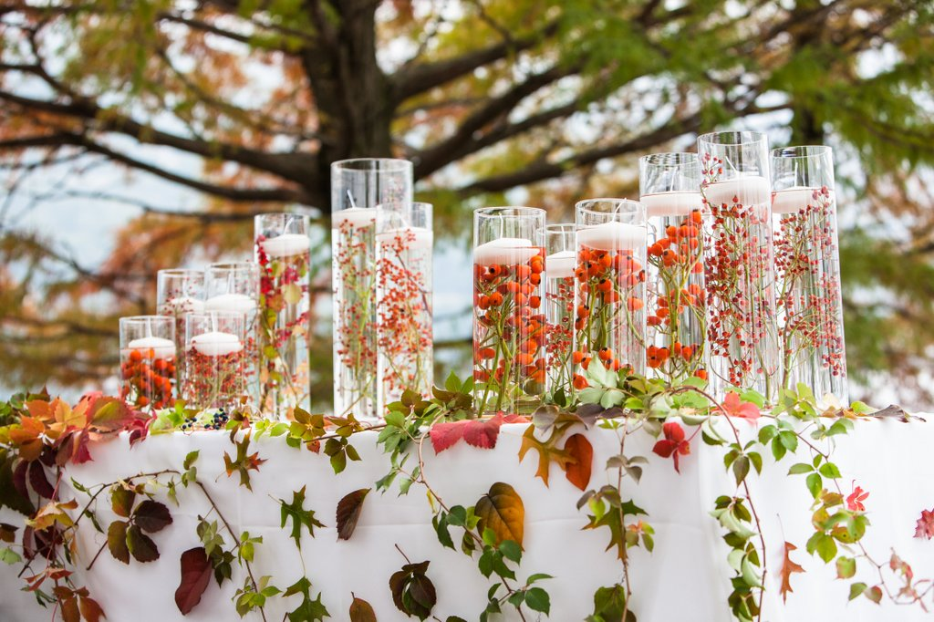 Flower arrangement for autumn wedding
