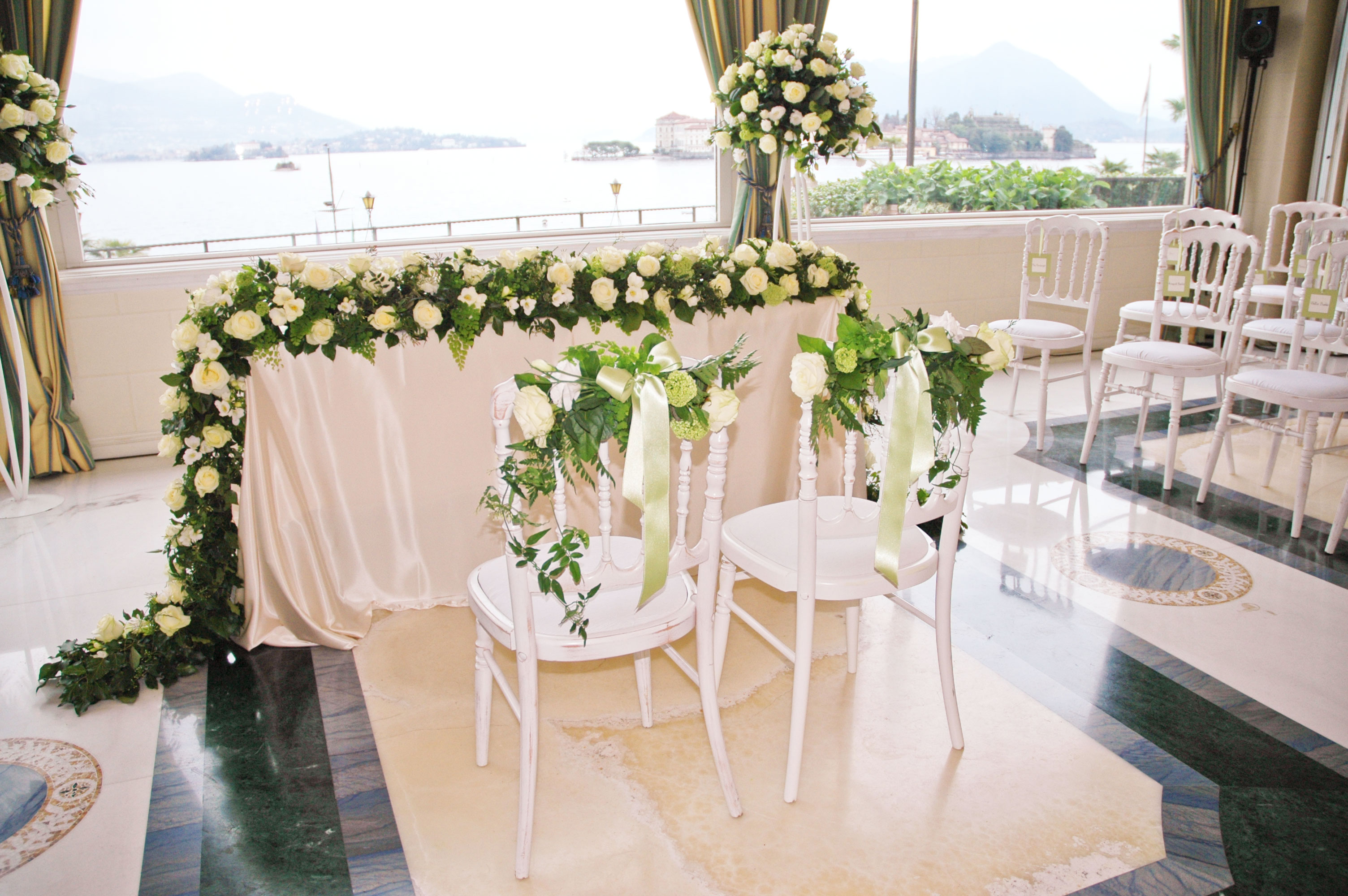 Floral decorations for a wedding on Lake Maggiore by Giuseppina Comoli